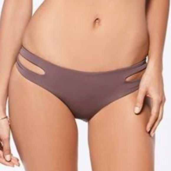 Estella bottom classic fit in pebble by L space 981c5542c